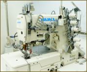 3本針用の特殊ミシン1